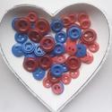 50 db színes gomb, Gomb, Műanyag gomb, Pink, bordó és kék színű műanyag gomb.  Méret:20-25-30 mm  Ára: 600 Ft / 50 db, Alkotók boltja