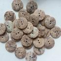 Cirmos gombok, Gomb, Műanyag gomb, 30 db barnás-cirmos gomb eladó. 15-20 mm  15,-Ft / db, Alkotók boltja