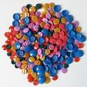 AKCIÓ! Vegyes gombcsomag, Gomb, Műanyag gomb, 300 db műanyag gomb pink, piros, lila, okker, zöld és kék színekben  Méret:12-15 mm  Ára: 1300 Ft / ..., Alkotók boltja