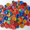 Színes gombcsomag B, Gomb, Műanyag gomb, Varrás, Gomb, 120 db műanyag gomb pink, piros, lila, kék, zöld, bordó és okkersárga színekben  Méret:10-20 mm  Ár..., Alkotók boltja