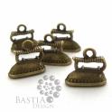 5 db Antikolt bronz vasaló medál 3D függő dísz Nikkelmentes, Antikolt bronz vasaló medál 3D függő dísz Az ...