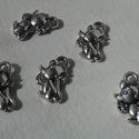 Egérke medál, Gyöngy, ékszerkellék, Egyéb alkatrész, Ékszerkészítés, Szerelékek, Egérke tibeti ezüst színű medálok. Méret: 7*13 mm 1 csomag 5 db medált tartalmaz., Alkotók boltja