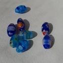 Virágmintás üveggyöngyök, A képen látható színes gyöngyök eladók.   M...