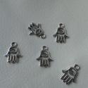 Hamsza medál, Gyöngy, ékszerkellék, Egyéb alkatrész, Tibeti ezüst színű medálok. Méret: 10*13 mm 1 csomag 5 db-ból áll., Alkotók boltja