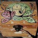 Kézzel festett Madárkás ládikó, Képzőművészet, Otthon, lakberendezés, Tárolóeszköz, Doboz, Festett tárgyak, Fotó, grafika, rajz, illusztráció, Kézműves termékeimben legtöbbször, a vízfestészet és a grafika találkozik egymással. Minden egyes d..., Meska