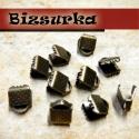 Antik bronz szalagvégzáró, 6 mm-es(10db), Gyöngy, ékszerkellék, Textil, Szalag, pánt, Ékszerkészítés, Bőrművesség, Antik bronz szalagvégzáró,bőrvégzáró. Szélessége: 6mm. Mérete: 6x8x5mm   Az ár 1 csomagra,azaz 10 d..., Alkotók boltja