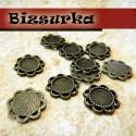 10db Antik bronz apró virágos medálalap, köztes (8mm), Gyöngy, ékszerkellék, Fém köztesek, Antik bronz, apró virágos tovább fűzhető medálalap, köztes .  Méret: 14 x 14 mm. Tárcsák belső méret..., Alkotók boltja