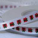 Piros ajándékmintás szatén szalag 9mm/20m, Textil, Szalag, pánt, Varrás, Szalag, Textil, Piros ajándékmintás 9mm-es szatén szalag, mely kiváló a karácsonyi ajándékok szebbé varázsolására. ..., Alkotók boltja