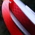Vörös rombuszmintás egyoldalas szatén szalag 9mm/20m, Textil, Szalag, pánt, Varrás, Virágkötészet, Szalag, Vörös rombuszmintás 9mm-es egyoldalas szatén szalag, mely kiváló virágkötőknek, ajándék és meghívó ..., Alkotók boltja