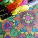 Mandala virág - keresztszemes készlet, Csináld magad leírások, Fonal, cérna, Hímzés, Grafika, fotó, Saját tervezésű keresztszemes minta készletben!  A színpompás mandala elkészítéséhez szükséges minő..., Alkotók boltja