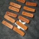 """""""Handmade"""" bőrcimke csomag, Textil, Szalag, pánt, Varrás, Szalag, A csomag 12 db 47X15 mm-es """"handmade"""" feliratos cimkét tartalmaz, 2-2 darabot mindegyik mintából.  ..., Alkotók boltja"""