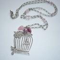 Ezüst madárkalitka nyaklánc rózsaszínnel - romantikus-vintage hangulatban, Ékszer, Nyaklánc, Ékszerkészítés, Gyöngyfűzés, gyöngyhímzés, Madárkalitkás nyaklánc-sorozatom újabb ezüst darabját készítettem el rózsaszín gyöngyökkel! :)  Egy..., Meska
