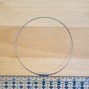 Sodrony karkötő alap 24 cm, Gyöngy, ékszerkellék, Ékszerkészítés, Fűzőszál, Ezüst színű sodrony karkötő alap. hossza: 24 cm átmérő: 1 mm alapanyag: galvanizált fém  1 darab, Alkotók boltja