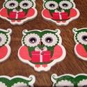 Karácsonyi bagoly alakú fagombok - 10 db (25 Ft/db), Gomb, Dekorációs kellékek, Karácsonyi bagoly formájú és mintájú vidám fagombok. Ünnepi dekorálásra tökéletes mind Mikulásra, mi..., Alkotók boltja