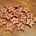 Csillag alakú sötétbarna fa gombok - 20 db (15 Ft/db), Gomb, Fa, Sötétbarna színű, fából készült, csillag alakú gombcsomag. A csomag 20 db gombot tartalmaz.  Széless..., Alkotók boltja
