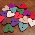 Színes szív alakú fa gombok - 18 db (25 Ft/db), Gomb, Fa, Színes, fából készült, szív alakú gombcsomag. 2-2 darab a következő színekből: - piros - narancssárg..., Alkotók boltja