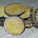 fakorong cserszömörce, Díszíthető tárgyak, Famegmunkálás, Fakorong átmérője 3 és 6 cm közötti, vastagsága 7 mm. egy csomag 12 db korongot tartalmaz. Színes é..., Alkotók boltja