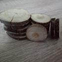Fakorong - eper, Fa, Famegmunkálás, 3-6 cm átmérő, 7 mm vastag fakorong. 1 csomag 10 darabot tartalmaz. Az eperfa fája igen kemény. Szí..., Alkotók boltja