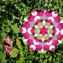 Textil mozaik matrica készlet - MANDALA III., Textil, A caraWonga mandalái egy olyan DIY készlet, mely öntapadós, színes textil mozaik darabkákat tartalma..., Alkotók boltja
