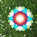 Textil mozaik matrica készlet -MANDALA IV., Textil, A caraWonga mandalái egy olyan DIY készlet, mely öntapadós, színes textil mozaik darabkákat tartalma..., Alkotók boltja