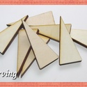 Fa háromszög - 5x5x2 cm - 10 db - 30 Ft/db, Dekorációs kellékek, Fa, Fából készült natúr fa háromszögek. Az ár 10 db-ra értendő. Mérete: 5x5x2 cm, Alkotók boltja