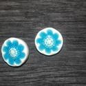 Kerámia gomb, Gomb, Kerámia gomb, Agyagozás, 5 darab hátul varrós keråmia gombot készítettem fehér agyagból és gyönyörű aquamarin kékre mázaztam..., Alkotók boltja