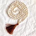 Pearl 108 szemes női  Mala nyaklánc folyami gyöngyböl, Ékszer, Esküvő, Nyaklánc, Ékszerkészítés, Egyedi stilusú , 7-9 mm folyami gyöngyből készült csomózott 108 szemes női Mala nyaklánc barna szin..., Meska