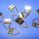 Képakasztó (1. minta/10 db) - 8x14 mm, , Mindenmás, Képakasztó (1. minta) - arany  Mérete: 8x14 mm (teljes hossz az akasztó résszel) A rögzítő lap mére..., Alkotók boltja