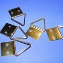 Képakasztó (3. minta/5 db) - 15x28 mm, , Mindenmás, Képakasztó (3. minta) - arany  Mérete: 15x28 mm (teljes hossz az akasztó résszel) A rögzítő lap mér..., Alkotók boltja