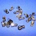 Bőrvég (431/A minta/20 db) - 9x4 mm, Gyöngy, ékszerkellék, Egyéb alkatrész, Ékszerkészítés, Szerelékek, Bőrvég (431/A minta) - nikkel színben  Mérete: 9x4 mm (befogó rész: 4x4x3,5 mm) A furat mérete: 2 m..., Alkotók boltja