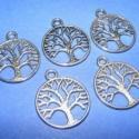 Medál(628/A.minta/5db), Gyöngy, ékszerkellék, Egyéb alkatrész, Medál,fa(628/A.minta/5db)ezüst színben.Mérete 24x20x2mm. Az ár 5db termékre vonatkozik. ., Alkotók boltja