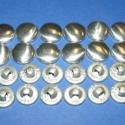 Fém gomb alap (9. méret/16 db), Gomb, Fém gomb, Fém gomb alap (9. méret)  A csomag tartalma 16 darab behúzható fém (alumínium) gomb alap (alsó és fe..., Alkotók boltja