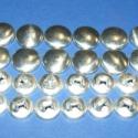 Fém gomb alap (10. méret/20 db), Gomb, Fém gomb, Fém gomb alap (10. méret)  A csomag tartalma 20 db behúzható fém (alumínium) gomb alap (alsó és fels..., Alkotók boltja
