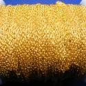 Arany színű lánc (32/A minta/1 m) - 2x1,5x0,5 mm, Gyöngy, ékszerkellék, Egyéb alkatrész, Arany színű lánc (32/A minta)  A szem mérete: 2x1,5x0,5 mm  A feltüntetett ár 1 méter láncra..., Alkotók boltja