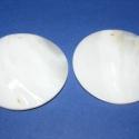Fúrt kagyló ékszer alap (27. minta/2 db) - fehér, Gyöngy, ékszerkellék, Egyéb alkatrész, Fúrt kagyló ékszer alap (27. minta/2 db) - fehér Az ékszerkészítés dekoratív kiegészítőj..., Alkotók boltja