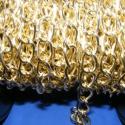 Arany színű lánc (52. minta/1 m) - 15x10x2 mm, Gyöngy, ékszerkellék, Egyéb alkatrész, Arany színű alumínium lánc (52. minta)  A szem mérete: 15x10x2 mm  A feltüntetett ár 1 méter..., Alkotók boltja