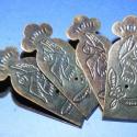 Doboz pánt (4 db) - nagy, Vegyes alapanyag, Fémmegmunkálás, ötvösség, Famegmunkálás, Szerelékek, Doboz pánt - nagy - díszes - antik bronz színben  A pánt mérete: 67x26 mm A furat mérete: 1,5 mm  A..., Alkotók boltja
