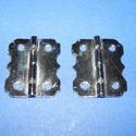 Zsanér (12. minta/2 db) - 25x20 mm, Szerszámok, eszközök, Famegmunkálás, Fémmegmunkálás, ötvösség, Szerelékek, Zsanér (12. minta) - ezüst színben  A zsanér mérete: 25x20 mm A furat mérete: 3 mm  Az ár 2 darab z..., Alkotók boltja