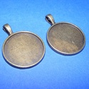 Medál alap (137/B minta/2 db), Gyöngy, ékszerkellék, Egyéb alkatrész, Medál alap (137/B minta) - kerek - antik bronz színben  Mérete: 37(akasztóval)x28 mm A belső mérete:..., Alkotók boltja