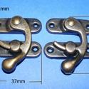 Doboz csat (4. minta/2 db) - bronz, Szerszámok, eszközök, Csat, karika, zár, Ékszerkészítés, Famegmunkálás, Szerelékek, Doboz csat (4. minta) - bronz színben  Mérete: 37x42 mm (felső rész); 37x12 mm (füles rész)  Az ár ..., Alkotók boltja