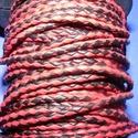 Fonott bőrszíj - 2,5 mm (2. minta/0,5 m) - fekete/piros, Gyöngy, ékszerkellék, Egyéb alkatrész, Fonott bőrszíj (2. minta) - fekete/piros  Valódi bőr alapanyagból készült fonott, hengeres szíj. Átm..., Alkotók boltja