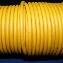 Hasított bőrszíj - 5 mm (14. minta/1 m) - antik sárga (AKCIÓS), Gyöngy, ékszerkellék, Egyéb alkatrész, Hasított bőrszíj (14. minta) - antik sárga - AKCIÓS  Mérete: 5 mm átmérőjű Valódi hasított marhabőrb..., Alkotók boltja