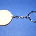 Fa kulcstartó-4 (35 mm/1 db) - kerek, Fa kulcstartó-4 - platinum színű láncos kulcstartóval  Fa alap mérete: 35 mm Anyaga: natúr fa  Plati..., Alkotók boltja