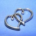 Köztes (625. minta/1 db) - dupla szív, Gyöngy, ékszerkellék,  Köztes (625. minta) - dupla szív - antik ezüst színben  Mérete: 24x8x2,5 mm  Az ár egy darab ..., Alkotók boltja