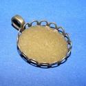 Medál alap (185/D minta/1 db), Gyöngy, ékszerkellék, Ékszerkészítés,  Medál alap (185/D minta) - kerek - bronz színben  Mérete: 27x22x2 mmA belső mérete: 20 mm A medál..., Alkotók boltja