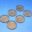 Medál alap (133. minta/1 db), Gyöngy, ékszerkellék, Ékszerkészítés,  Kombinált medál alap(133. minta) - kerek - sötét antik bronz színben  Mérete: 16 mm (belül: ..., Alkotók boltja