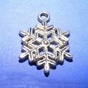 Medál (528. minta/1 db) - hópehely, Gyöngy, ékszerkellék,  Medál (528. minta) - hópehely - ezüst színű  Mérete: 22x20 mm Az ár egy darab termékre von..., Alkotók boltja