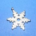 Medál (528/D minta/1 db) - hópehely, Gyöngy, ékszerkellék, Ékszerkészítés,  Medál (528/D minta) - hópehely - antik ezüst színű  Mérete: 24x18 mm Az ár 1 db termékre vonatkoz..., Alkotók boltja