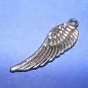 Szárny (551. minta/1 db), Gyöngy, ékszerkellék,  Szárny (551. minta) - ezüst színben  Mérete: 30x9 mm  Az ár egy darab termékre vonatkozik , Alkotók boltja