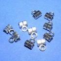 Medálvezető (357/E minta/1 db), Gyöngy, ékszerkellék,  Medálvezető (357/E minta) - ezüst színben  Mérete: 5x3 mm (+ az akasztó karika: 3 mm) Az ár 1 db m..., Alkotók boltja